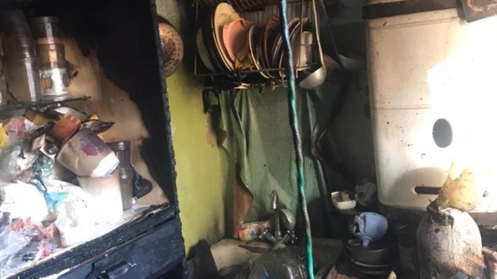 Двое пострадавших при пожаре госпитализированы в ЦРБ Володарского района
