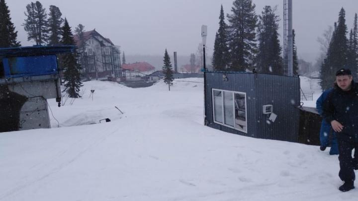 Жительница Новосибирска погибла на склоне в Шерегеше— фото с места происшествия