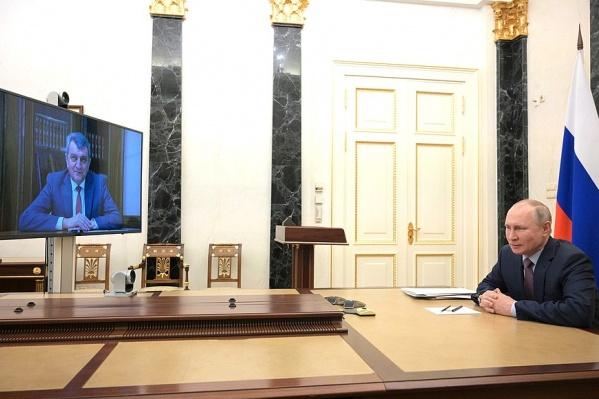 В новой должности Меняйло собирается применять опыт, полученный в Сибири. Он будет развивать сельское хозяйство на новой территории