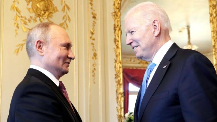 Навальный, милитаризация Арктики и Украина: Путин рассказал, о чем четыре часа говорил с Байденом