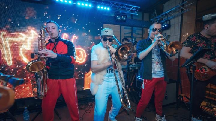 Группа «Ленинград» могла выступить 24 сентября в ресторане «Уральские пельмени»