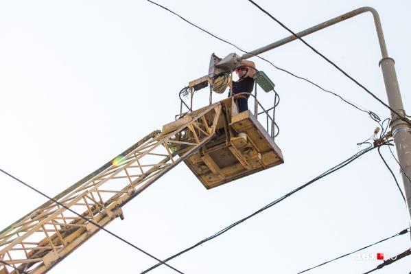 Из-за жары в городе периодически возникают перебои с электричеством