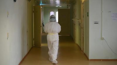 «Пиковые нагрузки на больницы надо ждать с 21 по 27 июля». Сценарий развития эпидемии в Свердловской области