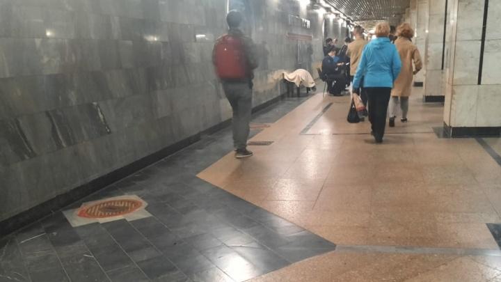 Тело вынесли из вагона: появились подробности смерти пассажирки в новосибирском метро