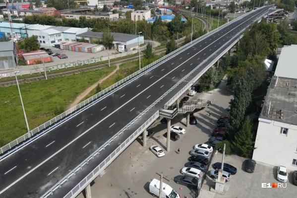Блюхеровский мост закрыли 1 мая