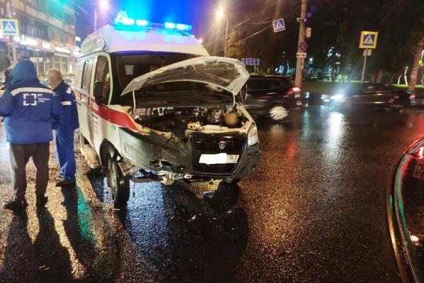 Авария произошла на пересечении Клинической и улицы Мичурина