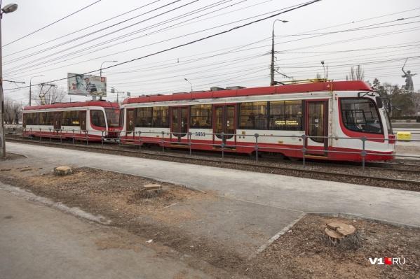 Утро среды для пассажиров скоростного трамвая выдалось не очень удачным