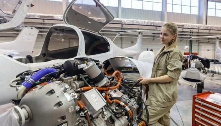 Карьера в авиации без опыта и спецобразования: на уральском заводе открылись вакансии с обучением