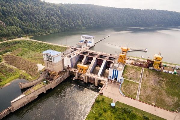Павловская ГЭС понемногу сбрасывает воду, чтобы водохранилише не переполнилось