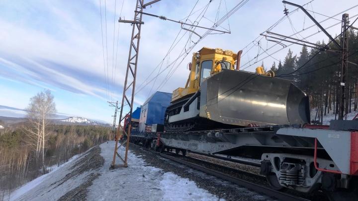 На перегоне ЮУЖД в Челябинской области, где сошли вагоны, возобновили движение