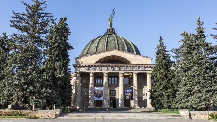 В Волгограде решено восстановить портрет Иосифа Сталина на фасаде планетария