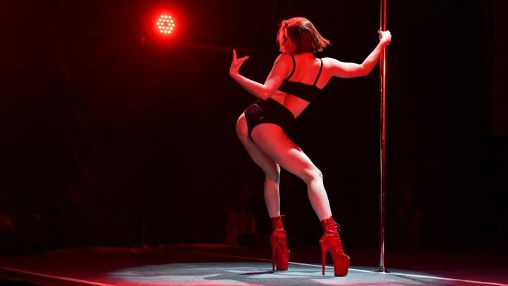 Аквадискотека и Харли Квинн: 30 горячих фото с соревнований по танцам на пилоне