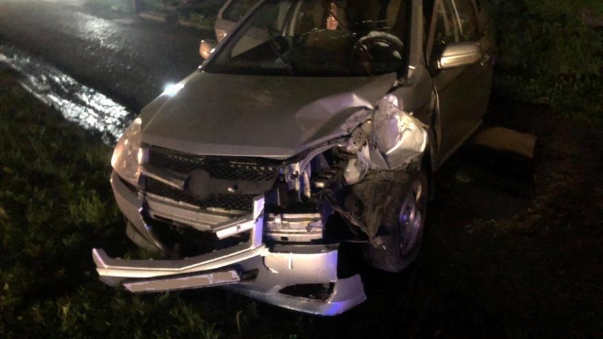 В Кургане водитель без прав снес фонарный столб