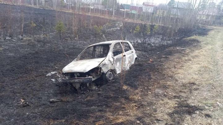 Под Тюменью после ДТП сгорело поле