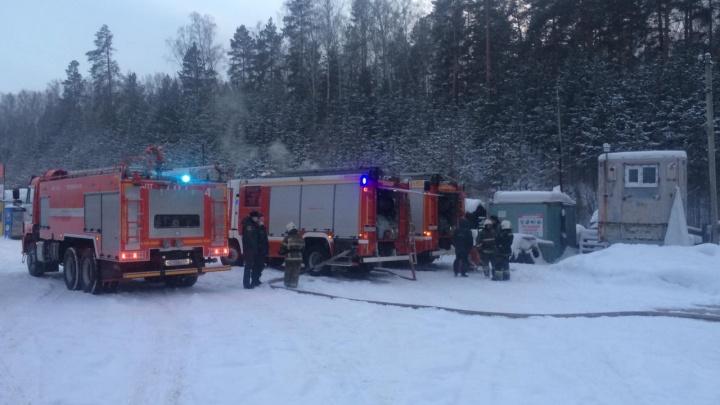 На газовой заправке на ЕКАД вспыхнул пожар: пострадали два человека