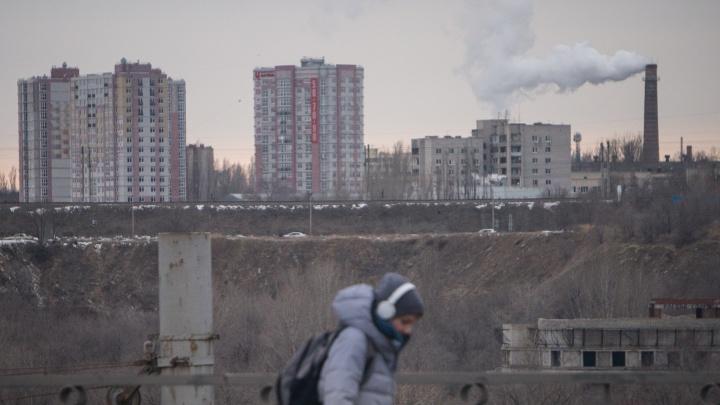 Волгоград не с парадного подъезда: фотограф снял рутинную жизнь ждущего весну города