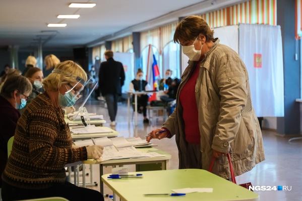 Выборы позволяют взрослым ненадолго вернуться в школу и почувствовать себя на месте учеников, что не всегда приятно