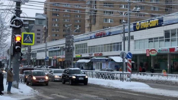На перекрестке в Архангельске, где пожарный насмерть сбил ребенка, изменили регулировку светофора
