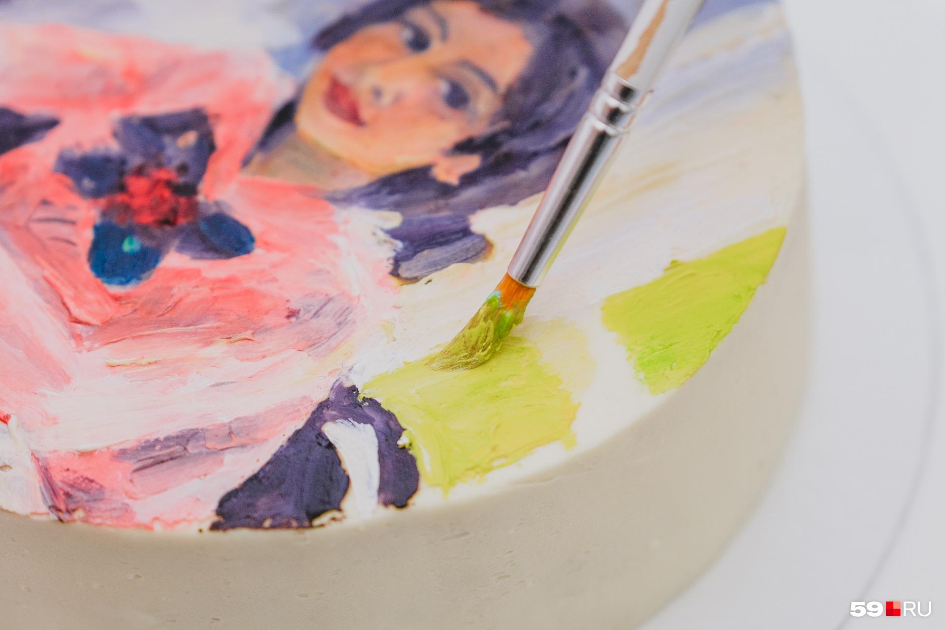 Такой торт у Марианны будет стоить 3-4 тысячи рублей. Каждый килограмм стоит 2500 рублей