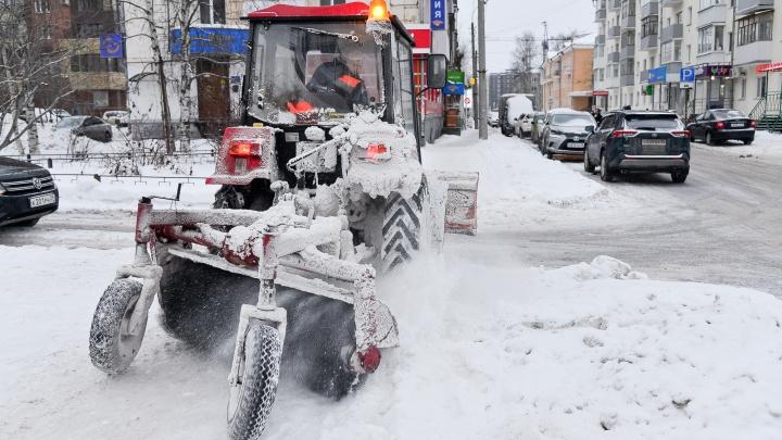 Кто должен убирать дворы от снега: в прямом эфире отвечает глава Архангельска Дмитрий Морев