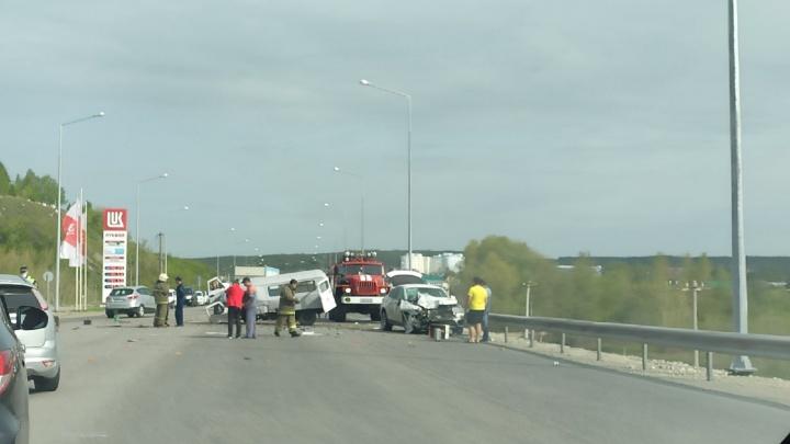 Из машины вырвало кресло: в районе моста через Сок произошло смертельное ДТП