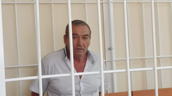 В Новосибирске арестовали мужчину, открывшего стрельбу по соседям во дворе на Лебедевского