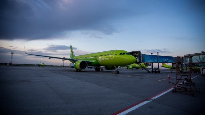 В S7 объяснили, почему сибирячку с билетом не посадили на рейс из Новосибирска до Читы