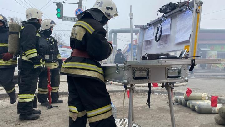 В Волгограде справились с открытым пламенем на Качинском рынке