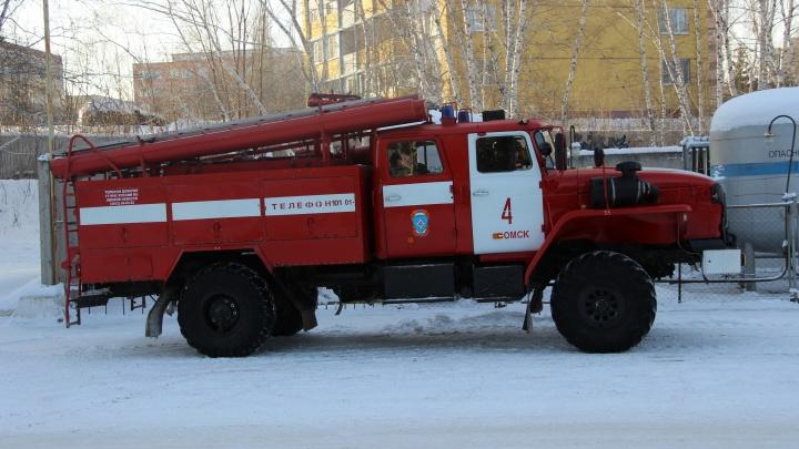 840 детей эвакуировали из школы в Старом Кировске из-за пожара в туалете