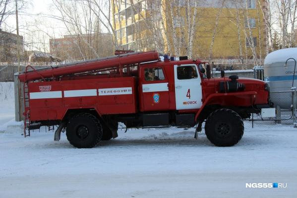 На месте работали 3 машины и 14 пожарных