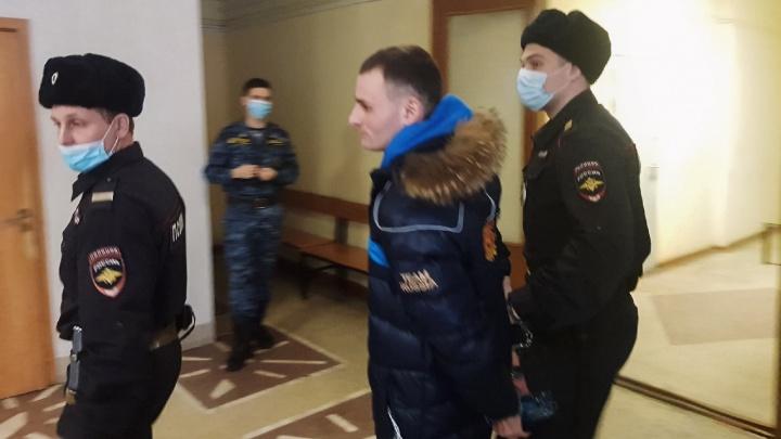 В Омске рассмотрели апелляцию по делу сутенеров — главарю банды сократили срок