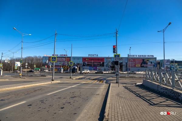 Надземный переход появится около торговых центров «Рента» и «Интермебель»