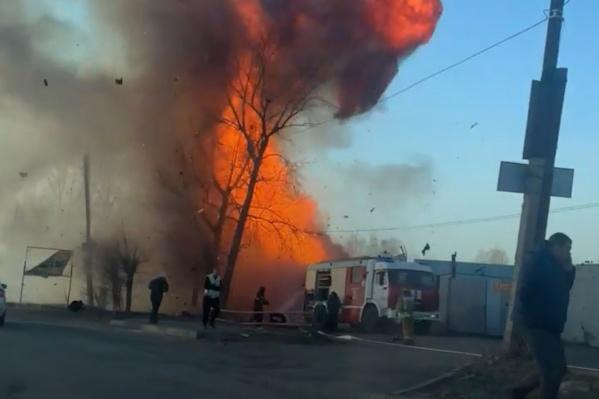 Взрыв прогремел в районе АМЗ