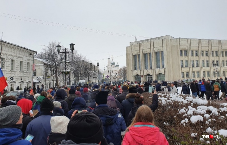 И вышли на Кирова, к фонтанам