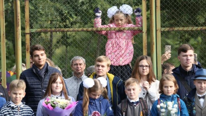 В Челябинске начинается запись в первый класс по новым правилам. Как попасть в школу и не поседеть — инструкция