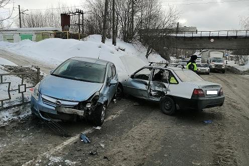 В аварии серьезно пострадал мальчик, ехавший на заднем сиденьеOpel