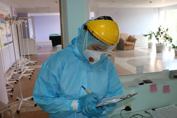 Власти разворачивают новые моногоспитали из-за большого количества заразившихся коронавирусом