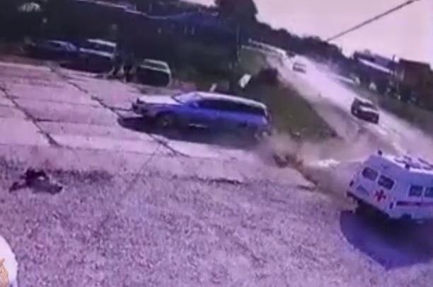 «Готовила его к школе»: пьяная девушка на Subaru сбила мать с 10-летним сыном в Енисейске. Мальчик в коме