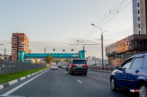 Один из участков Карабулинской развязки должен был проходить на месте надземного перехода