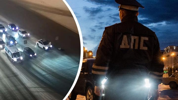 Полиция ищет водителя, сбившего насмерть женщину на площади Ленина. Он бросил свой Range Rover посреди улицы