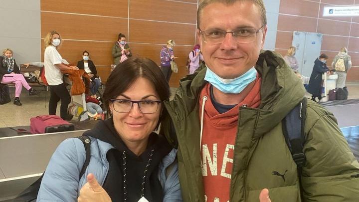 Кемеровского реаниматолога, который спас ребенка в самолете над океаном, раскритиковали в Сети