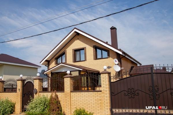 А так выглядит дом Айдара Гиндуллина