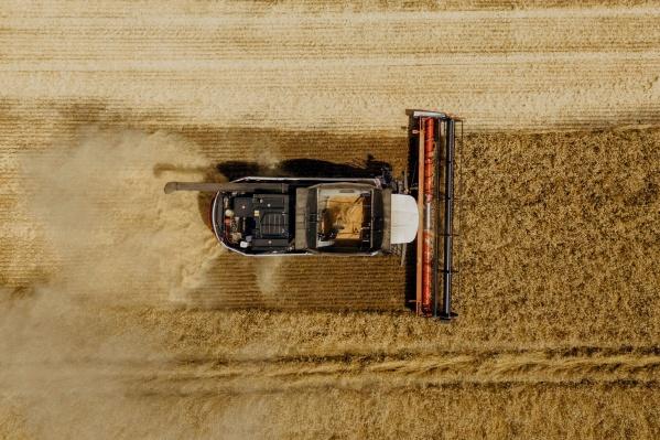 С платформой агроменеджмента Агротроник можно удаленно контролировать параметры техники и формировать карты урожайности полей