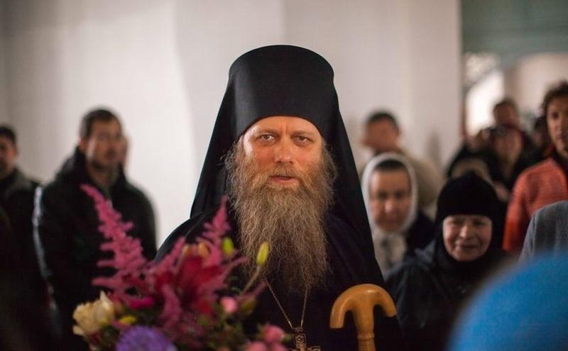 Наместник Соловецкого монастыря на видео обвинил вакцину в генной модификации людей