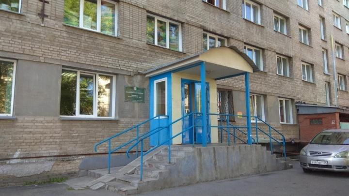 В Новосибирске пациентка обвинила 59-летнего врача в сексуальных домогательствах во время УЗИ