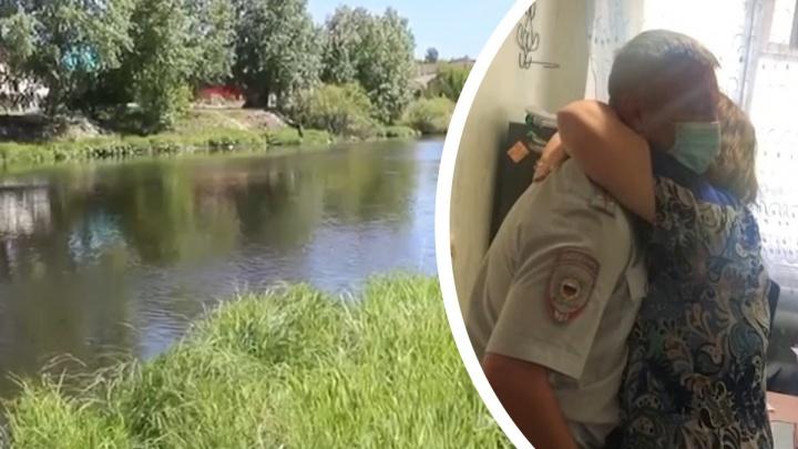 На Урале участковый спас двух тонущих в реке детей