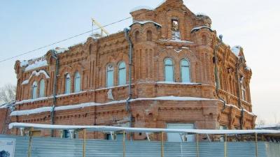 В Кузбассе при реконструкции старейшего музея разбили капсулу времени. Показываем ее содержимое