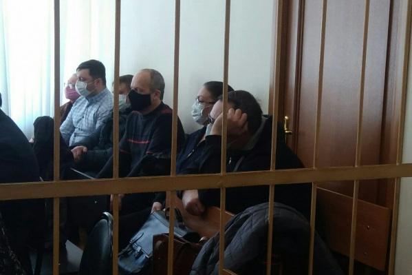 Вся банда теперь — на скамье подсудимых