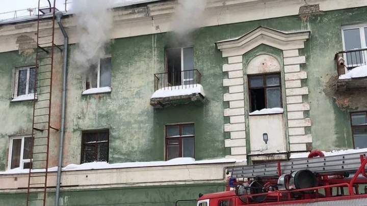 На Народной загорелась квартира — в пожаре погиб мужчина