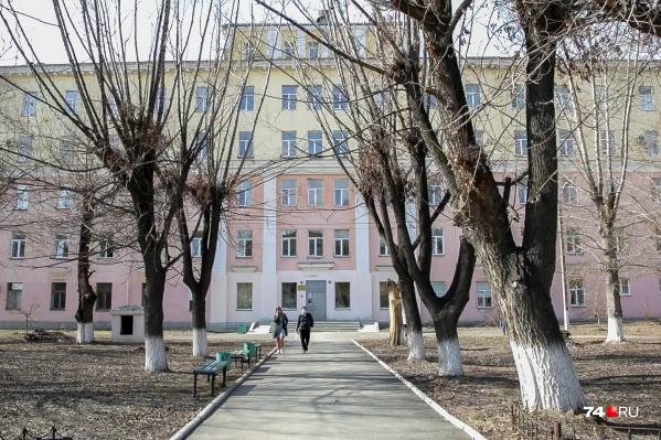 Областную больницу № 2 перепрофилировали под ковидную базу одной из первых